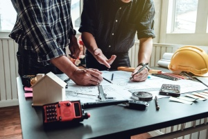 Contractors   working on home covered by contractor insurance