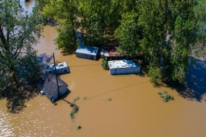 building that need commercial flood insurance