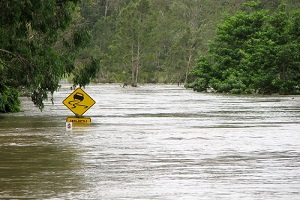 floodwater on the roads that needs commercial flood insurance