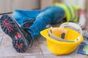 fainted worker during construction work needs construction insurance