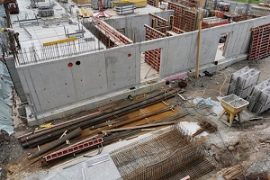 construction site for the construction of a high-rise building trying to reduce risk in construction