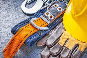 construction worker safety equipment to reduce risk in construction